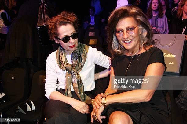 Margit J Mayer Und Angelica Blechschmidt Bei Der Strenesse Modenschau Bei Der 'Mercedes Benz Fashion Week 2008' In Berlin