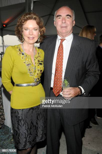 Margo Langenberg and Doran Mullen attend SOLAR 1's Revelry By The River Honors MATTHEW MODINE KICK KENNEDY HSBC at Stuyvesant Cove on June 2 2009 in...