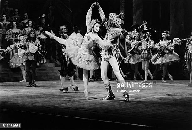 Margot Fonteyn as Princess Aurora and Henry Danton as the third prince in Act 1 of a production of The Sleeping Beauty