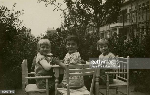 Margot Frank , sister of Anne Frank, in Frankfurt am Main with friends Illa and Rosemarie Angrick, June 1929.