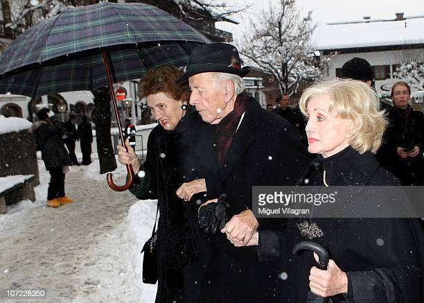 foto de Margot And Maria Hellwig Stock Pictures, Royalty-free Photos ...