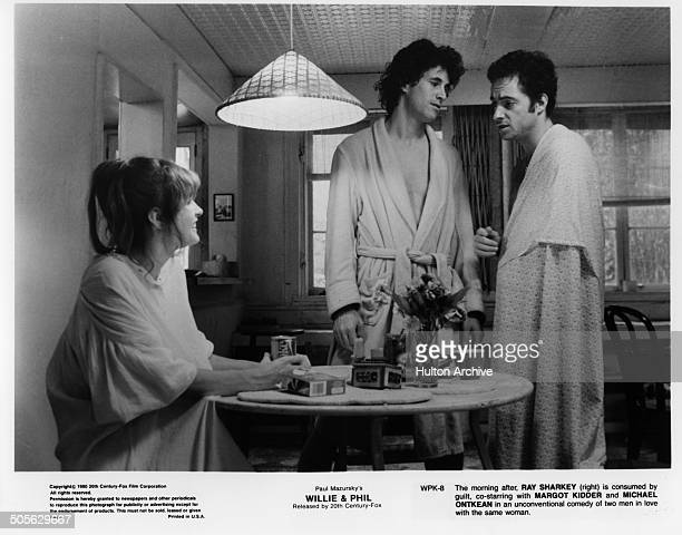Margot Kidder Michael Ontkean talk to Ray Sharkey in a scene from the 20th Century Fox movie Willie Phil circa 1980