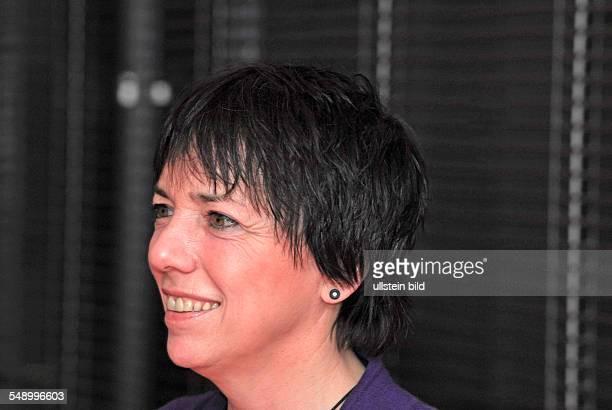 Margot Käßmann ehemalige Ratsvorsitzende der Evangelischen Kirche in Deutschland bei einer Buchpräsentation im Berliner Kulturkaufhaus Dussmann