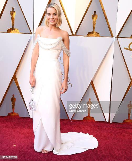 Margot Robbie arrives at the 90th Annual Academy Awards at Hollywood Highland Center on March 4 2018 in Hollywood California