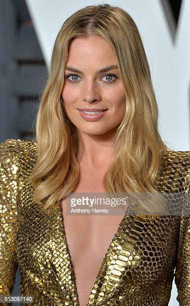 Margot Robbie attends the 2016 Vanity Fair Oscar Party hosted By Graydon Carter at Wallis Annenberg Center for the Performing Arts on February 28...
