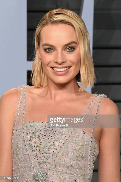 Margot Robbie attends the 2018 Vanity Fair Oscar Party hosted by Radhika Jones at Wallis Annenberg Center for the Performing Arts on March 4 2018 in...