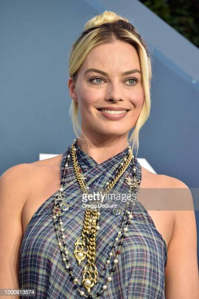 Margot Robbie attends the 26th Annual Screen ActorsGuild Awards at The Shrine Auditorium on January 19 2020 in Los Angeles California 721430
