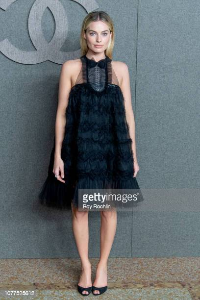 Margot Robbie attends the Chanel Metiers D'Art 2018/19 Show at The Metropolitan Museum of Art on December 04 2018 in New York City