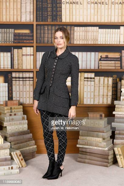 Margot Robbie attends the Chanel photocall as part of Paris Fashion Week - Haute Couture Fall Winter 2020 at Grand Palais on July 02, 2019 in Paris,...