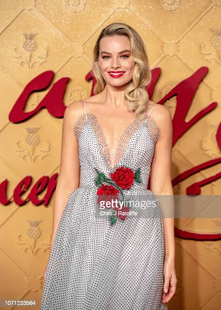 """Margot Robbie attends the World Premiere of """"Mary Queen of Scots"""" at Cineworld Leicester Square on December 10, 2018 in London, England."""