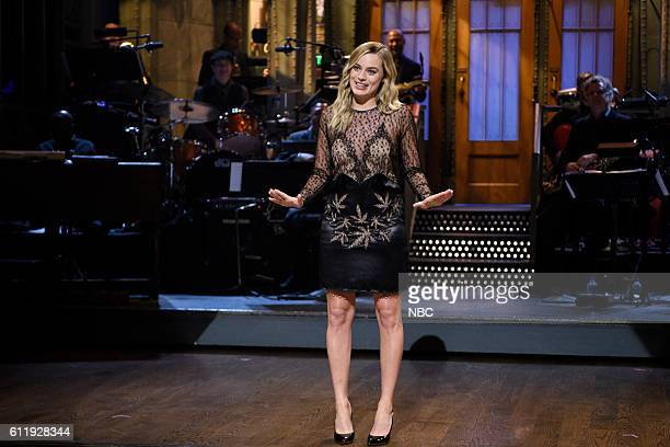 LIVE Margot Robbie Episode 1705 Pictured Host Margot Robbie during the monologue on October 1 2016