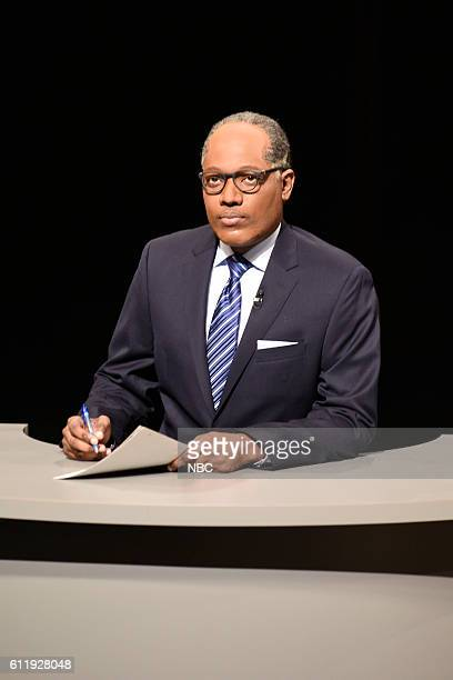 LIVE Margot Robbie Episode 1705 Pictured Michael Che as Lester Holt during the Debate Cold Open sketch on October 1 2016