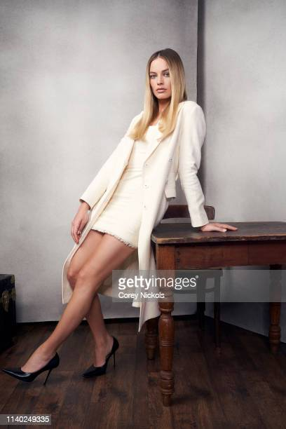 Margot Robbie from the film ''Dreamland' poses for a portrait during the 2019 Tribeca Film Festival at Spring Studio on April 28, 2019 in New York...