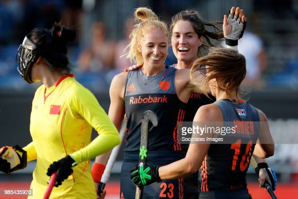 Margot van Geffen of Holland Women celebrates 10 with Marloes Keetels of Holland Women Kelly Jonker of Holland Women during the Rabobank 4Nations...