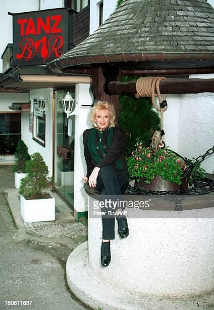 Margot Werner Berwangen Tirol sterreich Europa Hotel Berwanger Hof Brunnen Tanzbar