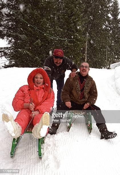 Margot Werner Ehemann Jochen Litt HansJürgen Posch Hotel Berwanger Hof Berwangen Tirol sterreich Europa Europa Schnee Winter Schlitten fahren rodeln...