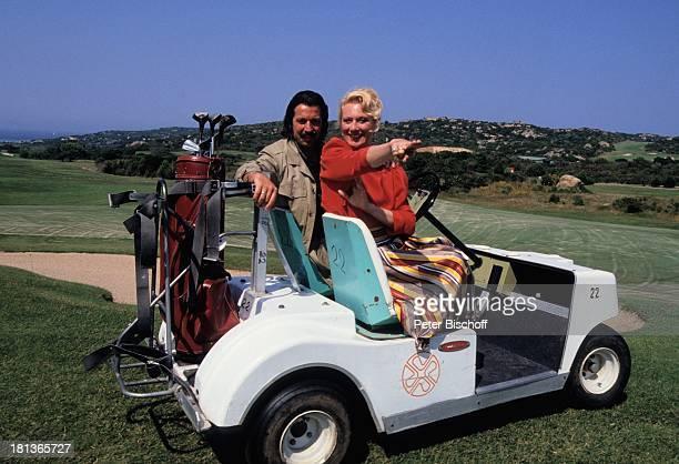 Margot Werner Ehemann Jochen Litt SardinienUrlaub Costa Smeralda Italien Europa Reise Caddy GolfAuto Golfplatz Schauspieler Sängerin PBE/JB