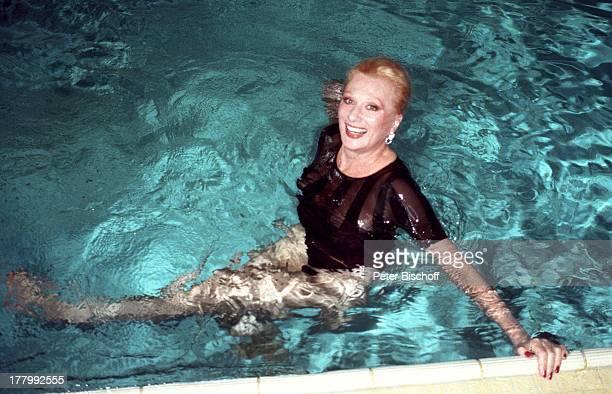 Margot Werner Hotel Berwanger Hof Berwangen Tirol sterreich Europa schwimmen Pool SwimmingPool Wasser Sängerin Schauspielerin MW/PBE Sc