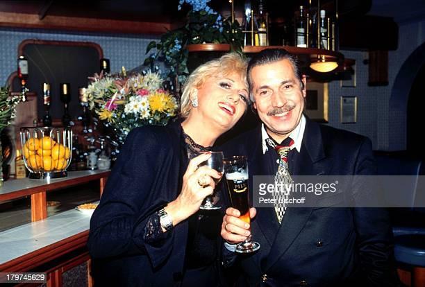 Margot Werner mit Ehemann Jochen Litt Hotel Berwanger Hof Berwangen Tirol sterreich Europa Sängerin Tänzerin Schauspielerin