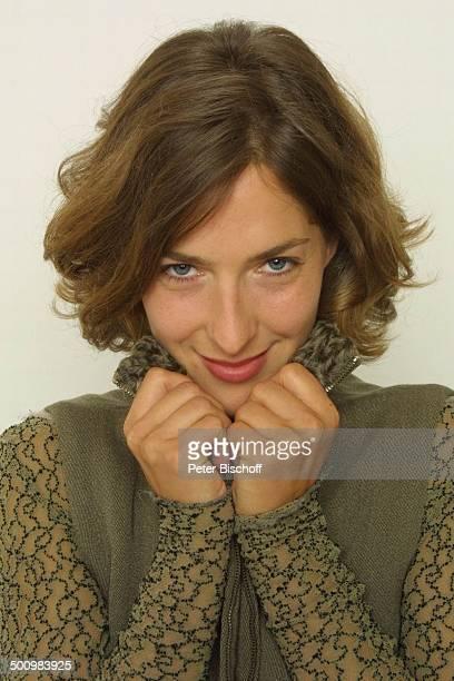 "Margrit Sartorius , Portrait, geb.: , Sternzeichen: Jungfrau, Studio-Aufnahmen, neben den Dreharbeiten zum ZDF-Film ""Papa und Mama"", Petersberg,..."