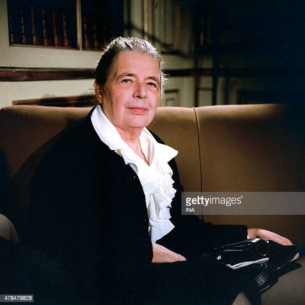 Marguerite Yourcenar during an interview on its work The work to the black in the program Clio and his