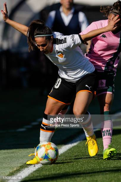 Mari Paz Vilas of Valencia CF in action during the Spanish League Primera Iberdrola women football match played between Valencia CF Femenino and Real...