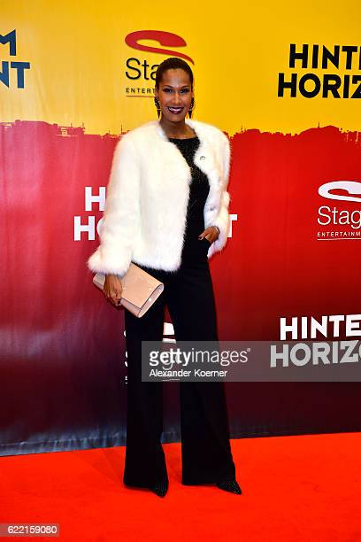 Maria Amerie attends the red carpet at the Hinterm Horizont Musical premiere at Stage Operretenhaus on November 10 2016 in Hamburg Germany