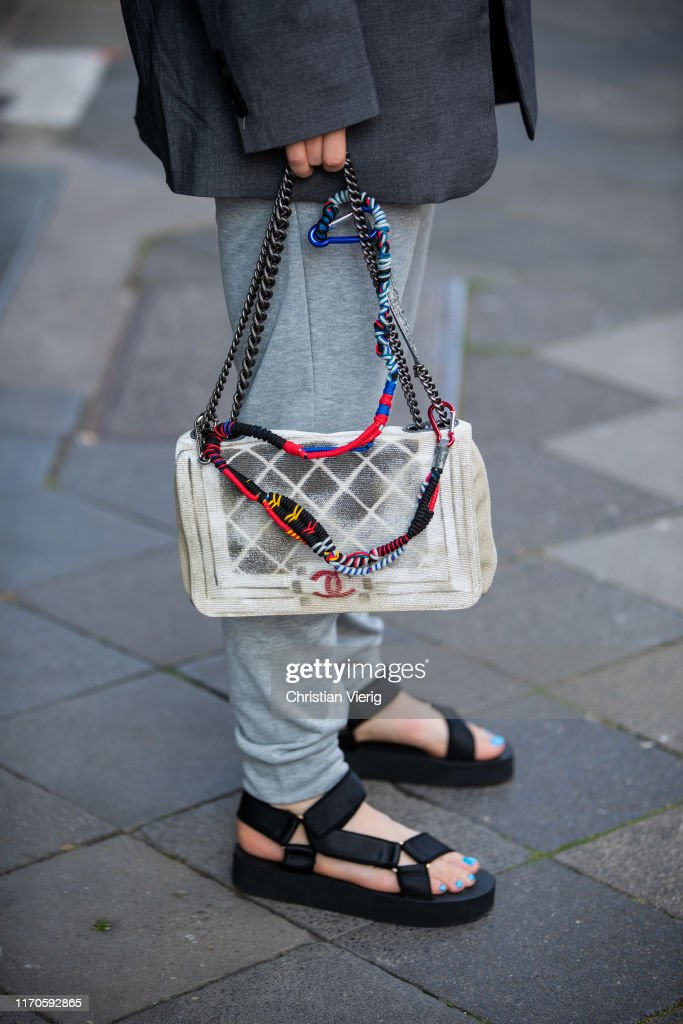 Street Style - Duesseldorf - August 25, 2019 : News Photo