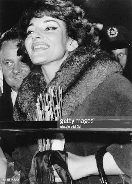 Maria Callas *Sängerin Sopran USA / Griechenland Empfang auf dem Flughafen BerlinTempelhof