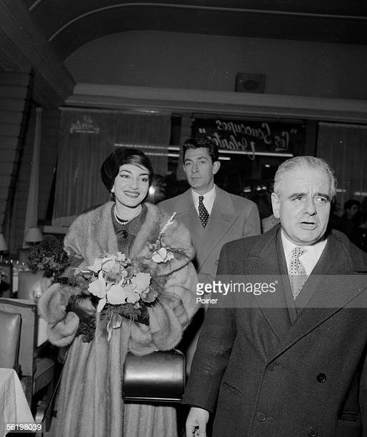 Maria Callas and JeanClaude Pascal Orly airport of Paris january 16 1958