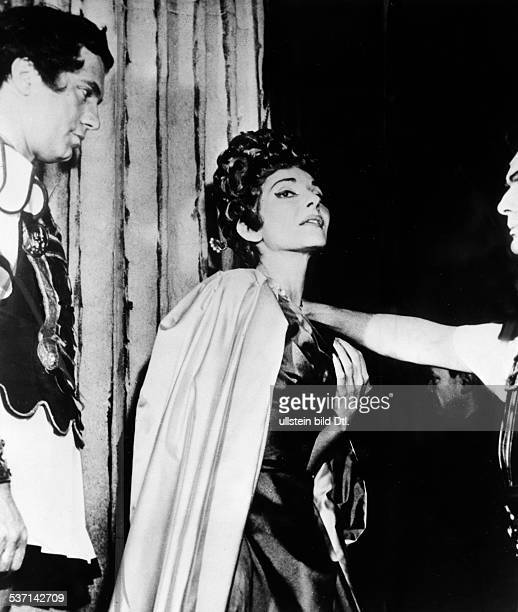 Maria Callas Sängerin Sopran USA / Griechenland mit Ettore Bastianini und Franco Corelli in Donizettis Oper 'Poliuto' in der Mailänder Scala 1960