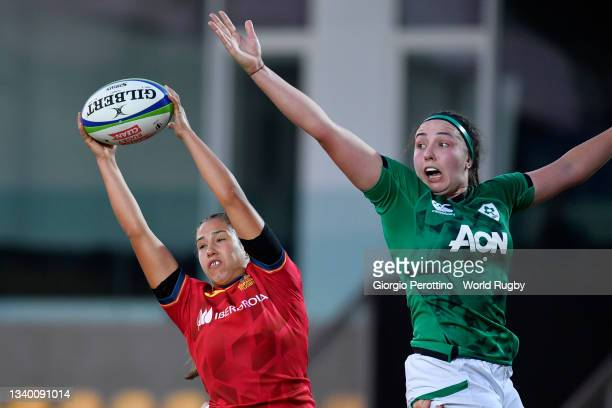Maria Calvo of Spain in action during the Rugby World Cup 2021 Europe Qualifying match between Spain and Ireland at Stadio Sergio Lanfranchi on...