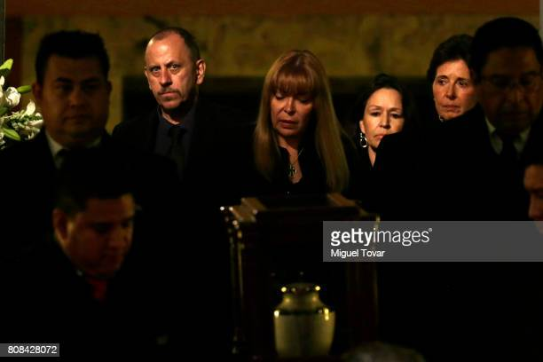 Maria Cristina Garcia widow of Jose Luis Cuevas arrives with the remains of Mexican artist Jose Luis Cuevas at Bellas Artes Palace on July 04 2017 in...