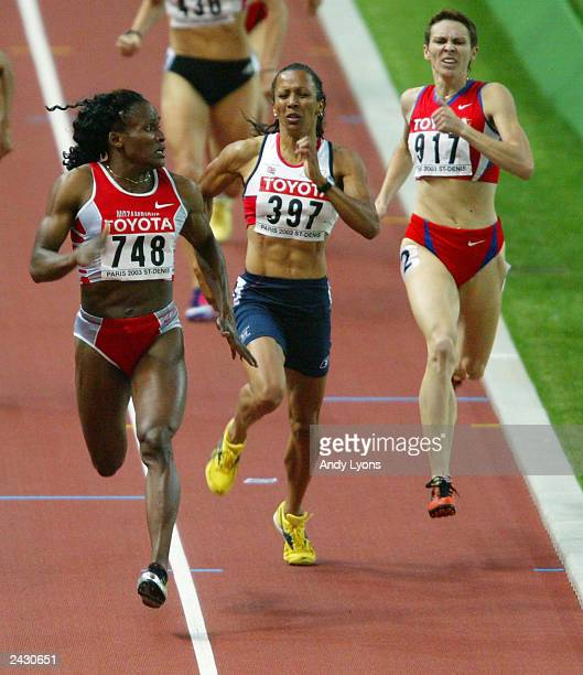 Maria de Lourdes Mutola of Mozambique looks back to good friend Kelly Holmes of Great Britain and Natalya Khrushcelyova of Russia during the Final of...