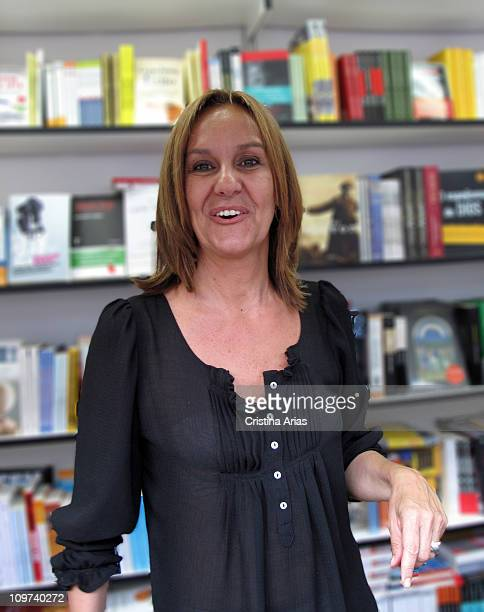 Maria Duenas , Spanish novelist who has obtained great success with his first novel 'El tiempo entre costuras', 69th Madrid Book Fair, may 2010.