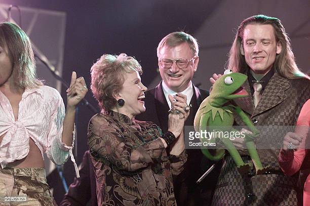 Maria Elena Holly Ralph Peer Kermit the Frog and puppeteer performing at the Song Writers Hall of Fame Awards at the New York Sheraton Hotel and...