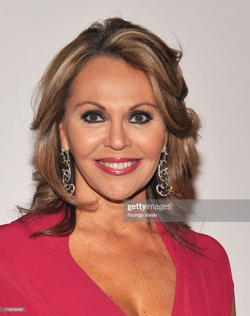 2009 Person Of The Year Honoring Juan Gabriel - Arrivals