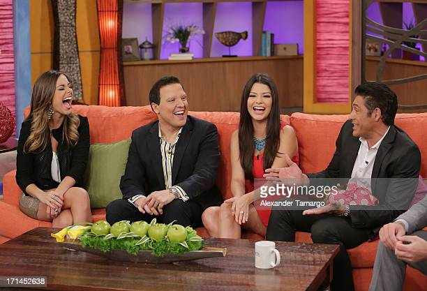 Maria Elisa Camargo Raul Gonzalez Ana Patricia Gonzalez and Johnny Lozada appear on Univision's 'Despierta America' to promote film 'White House...