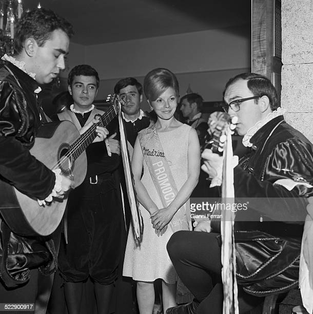 Maria Estela Martinez wife of tje former President of Argentina Juan Domingo Peron during her exile receive the tuna musical group of university...