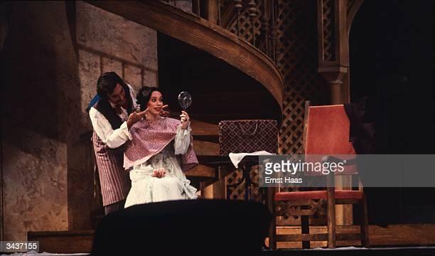 Maria Ewing in Rossini's opera 'The Barber of Seville' at the Metropolitan Opera New York