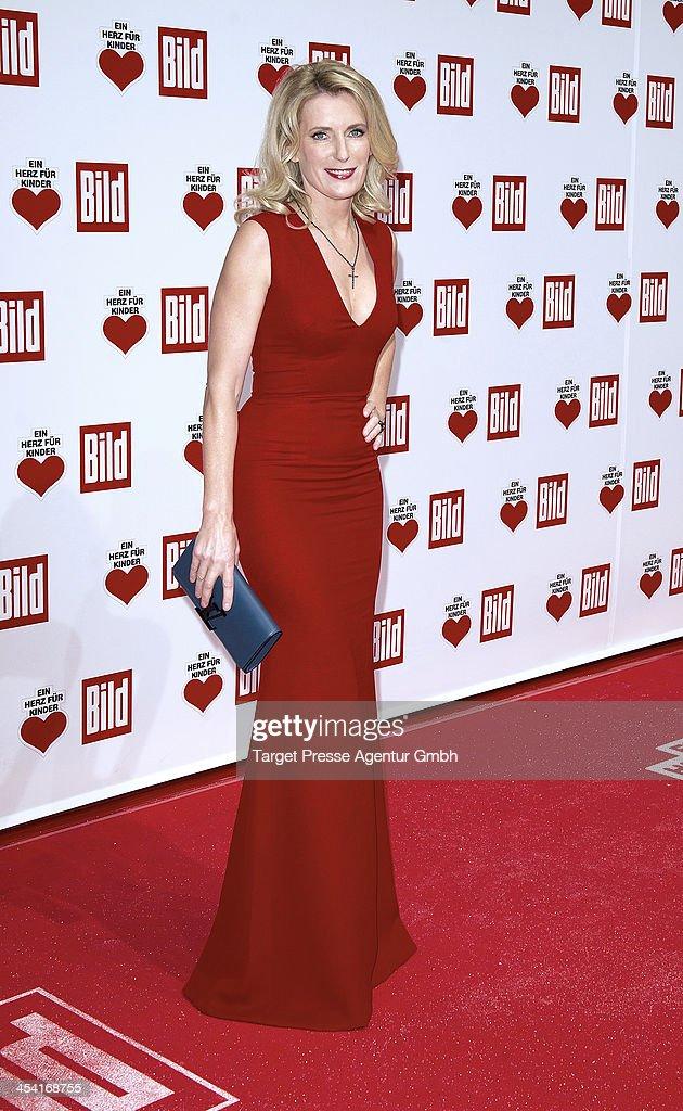 Ein Herz Fuer Kinder Gala 2013 - Red Carpet Arrivals