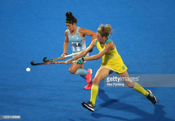Maria Granatto of Argentina and Maddy Fitzpatrick of Australia in action during the quarter final game between Australia and Argentina of the FIH...