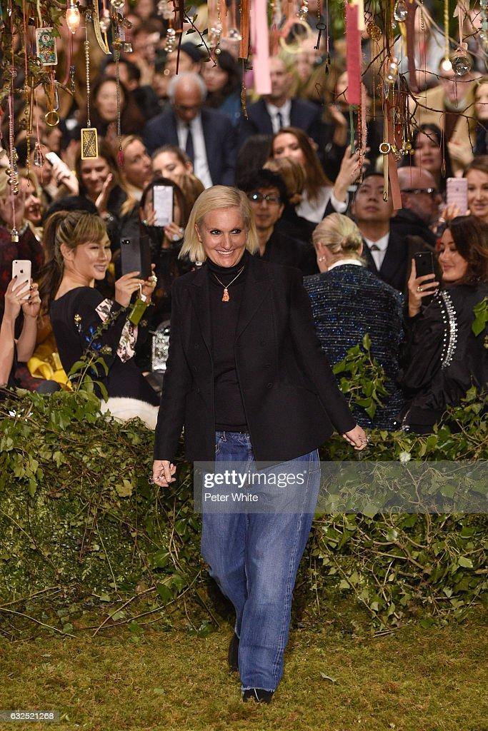Christian Dior : Runway - Paris Fashion Week - Haute Couture Spring Summer 2017