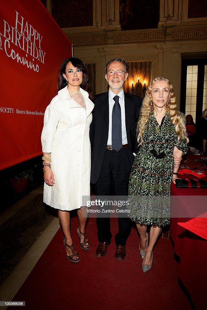 Maria Grazia Cucinotta, Mauro Moroni, Franca Sozzani attend the Convivio 2010 Press Conference held at Palazzo Marino on May 24, 2010 in Milan, Italy.