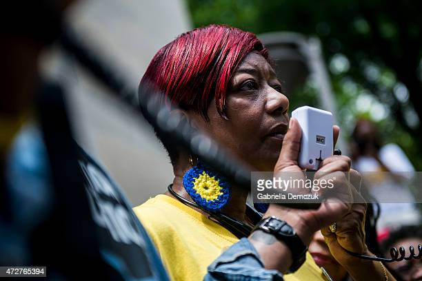 WASHINGTON DC MARCH Maria Hamilton whose 31yearold son Dontre was shot and killed by former Milwaukee Police Officer Christopher Manney in Red Arrow...