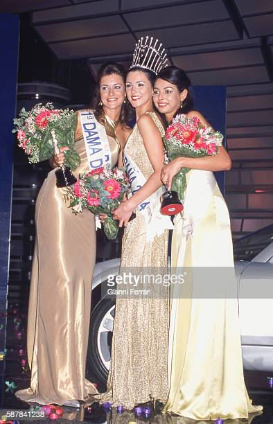 Maria Jesus Ruiz elected Miss Spain 2004 in Marina d'Or along with her bridesmaids Maite Medina and Farah Ahmed 28th March 2004 Oropesa Castellon...