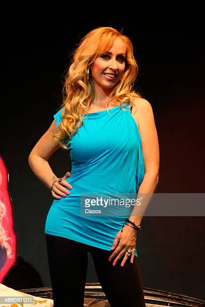 Maria Karunna pose for photos during the presentation of the new show Tributo a las Grandes Divas on May 08 2014 in Mexico City Mexico