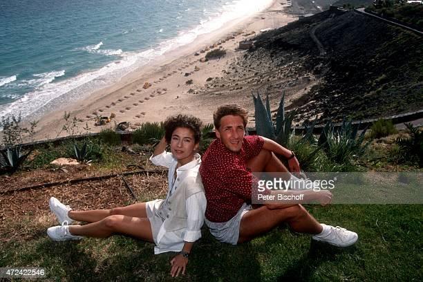 """""""Maria Ketikidou, Mark Keller, ARD-Serie """"""""Sterne des Südens"""""""" am im """"""""Robinson Club"""""""" auf Insel Fuerteventura, Spanien. """""""