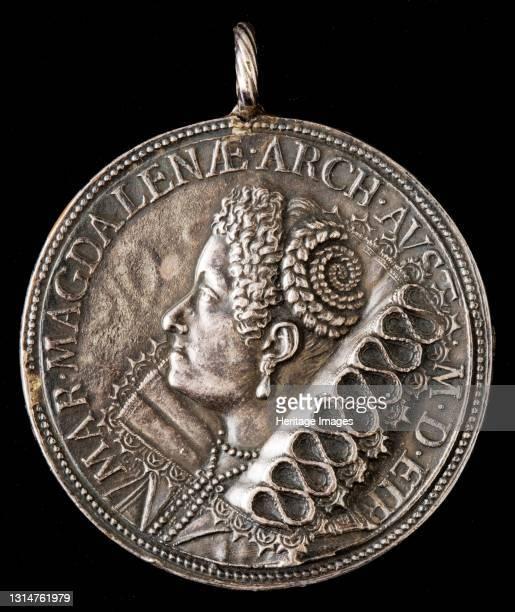 Maria Maddalena of Austria, 1589-1631, Wife of Grand Duke Cosimo II de' Medici 1608 [reverse], 1618. Artist Gasparo Mola.
