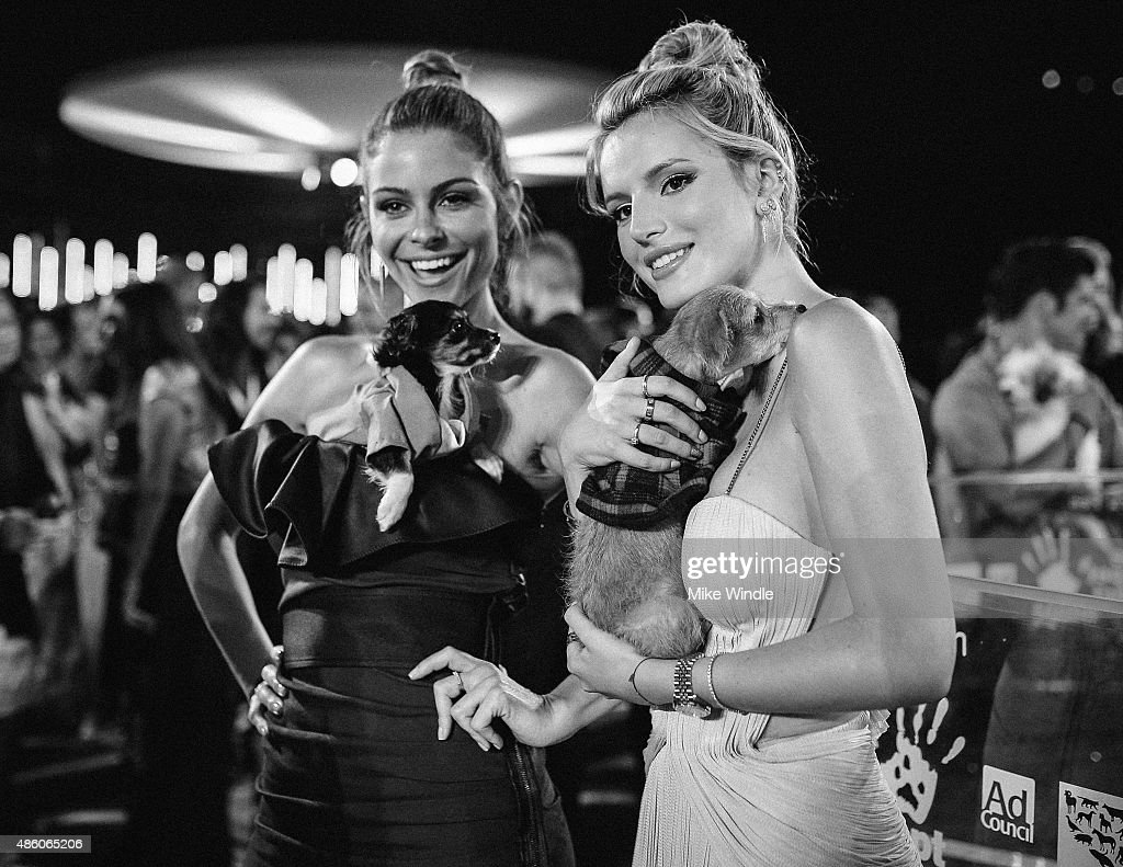 Maria Menounos (L) and Bella Thorne attend the 2015 MTV Video Music Awards at Microsoft Theater on August 30, 2015 in Los Angeles, California.
